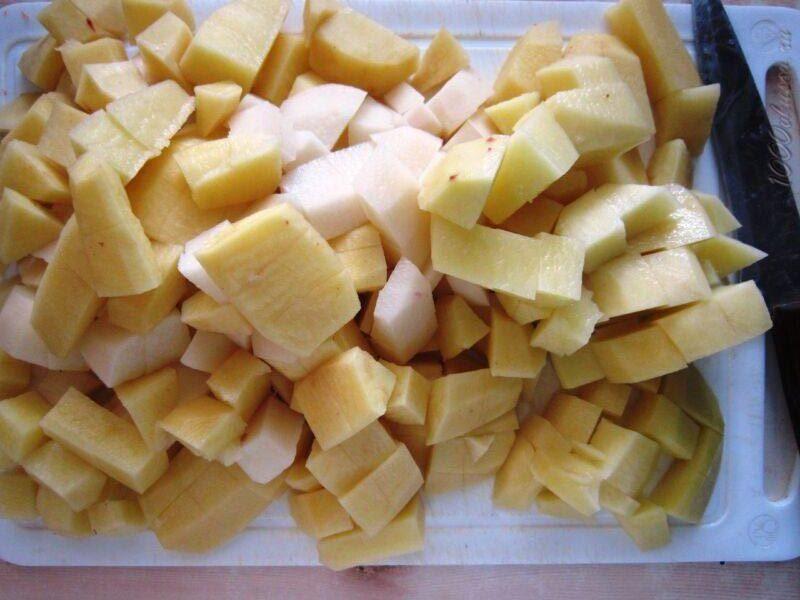 картофель кубиком для борща